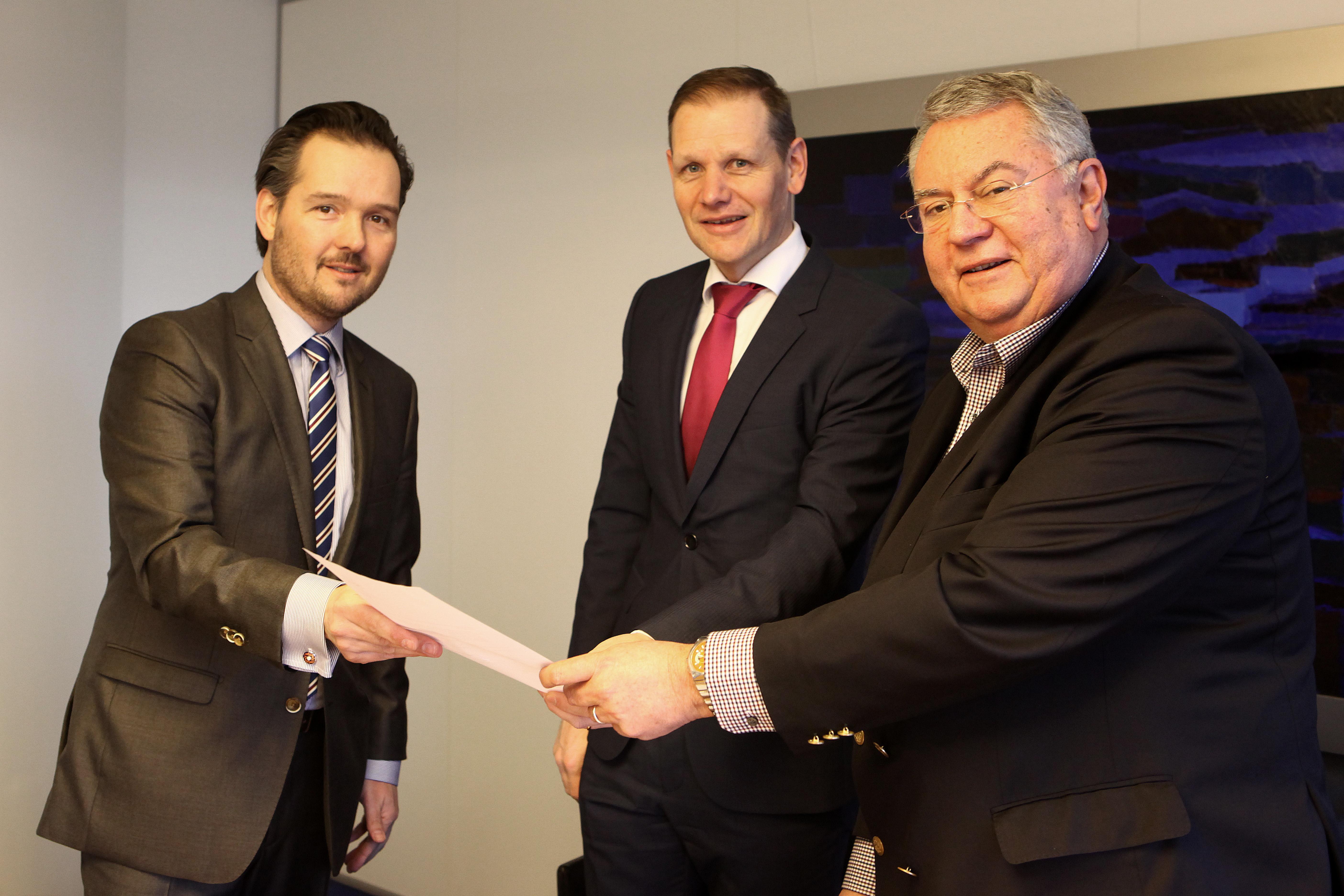 2015-02-11 ondertekening overeenkomst haalbaarheid woningbouw haanwijk (6) (2)